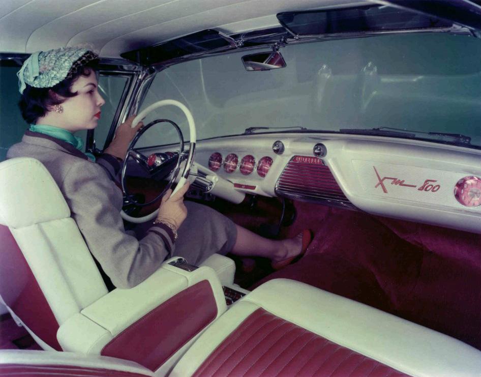 1954 XM 800 interior 2