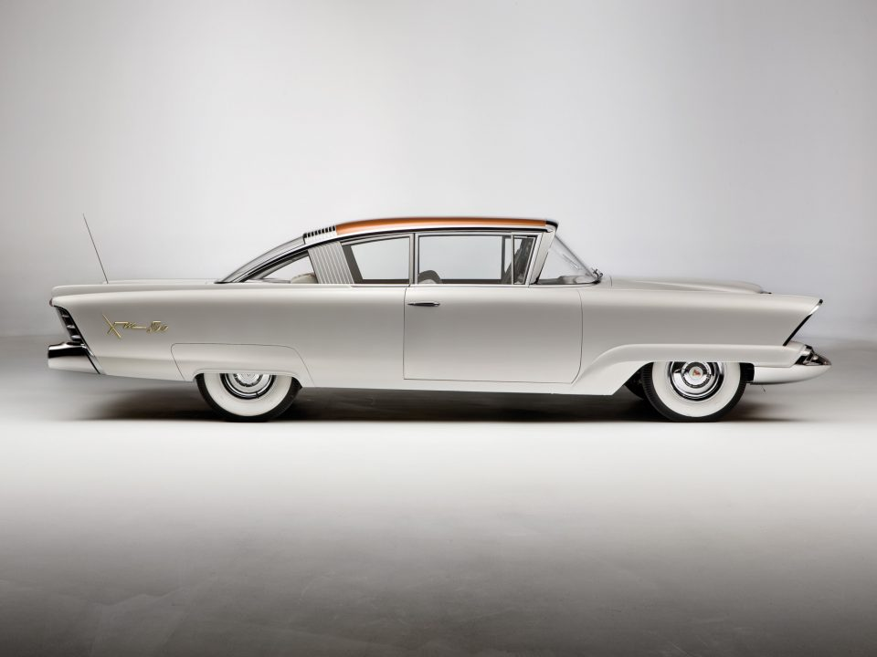 1954 XM 800 side view