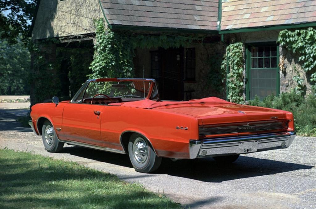 1964 Pontiac GTO 03