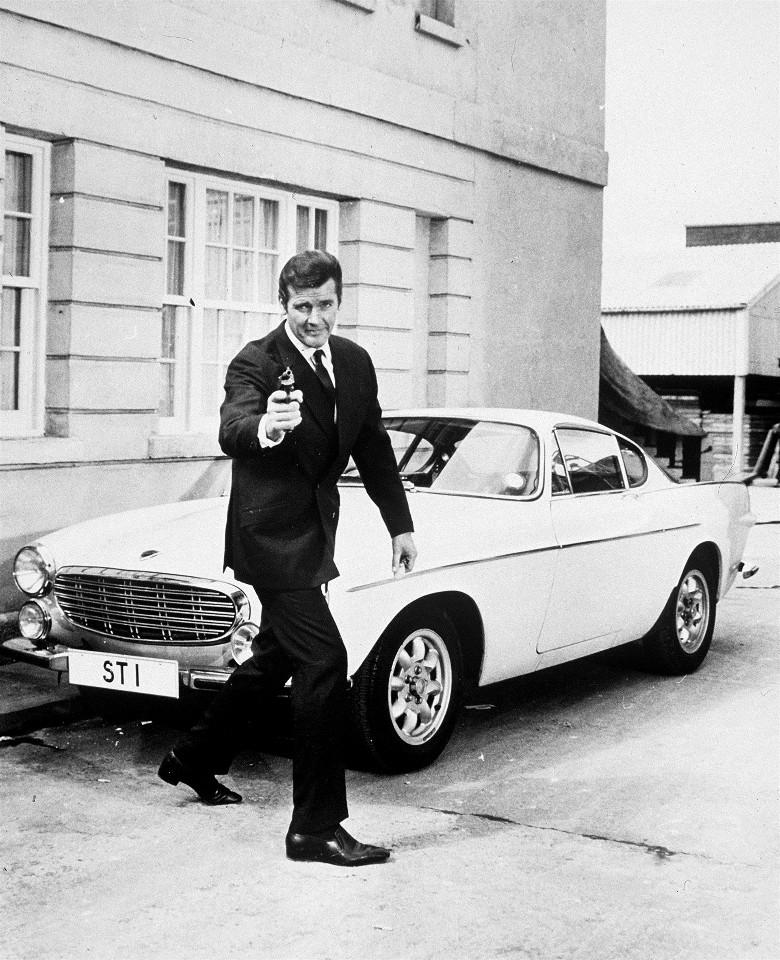 225617 Roger Moore as Simon Templar in The Saint TV Series 1