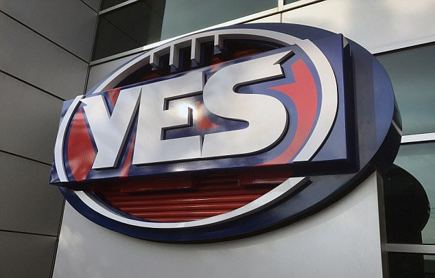 44815C8400000578 0 The AFL changed its logo to spell out Yes at the AFL House in Me a 67 1506057570409 e1506548988378
