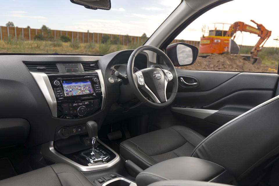 Nissan Navara ST X 00047