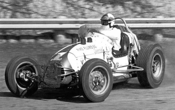 Parnelli Jones in the Fike Brothers sprintcar 1961.