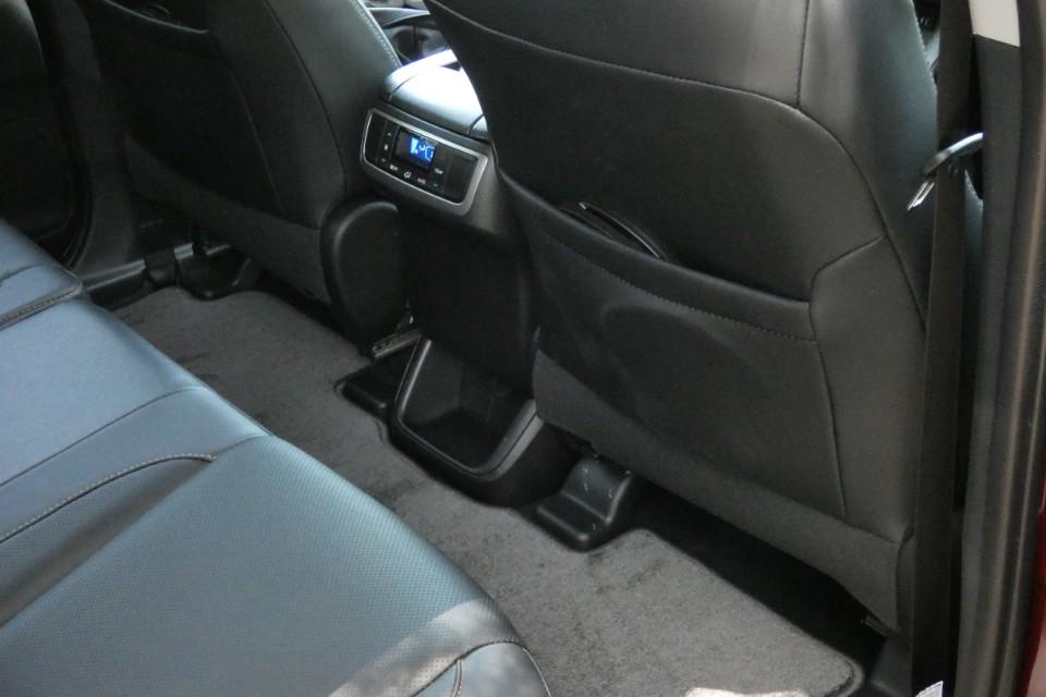 Toyota Kluger 2