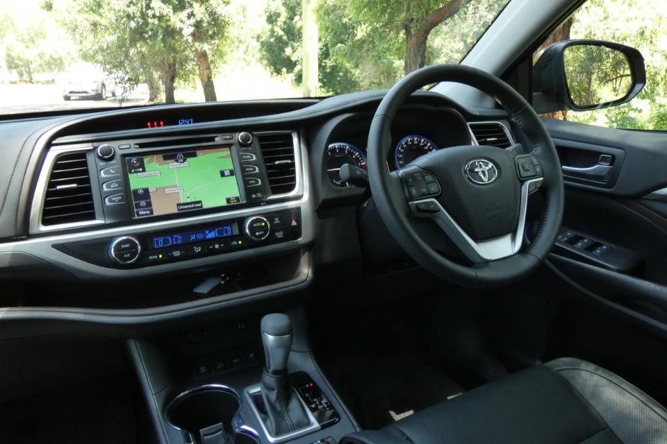 Toyota Kluger 6