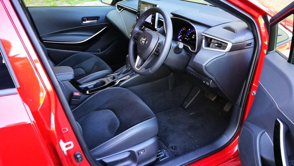 ZR Corolla Hybrid front seats