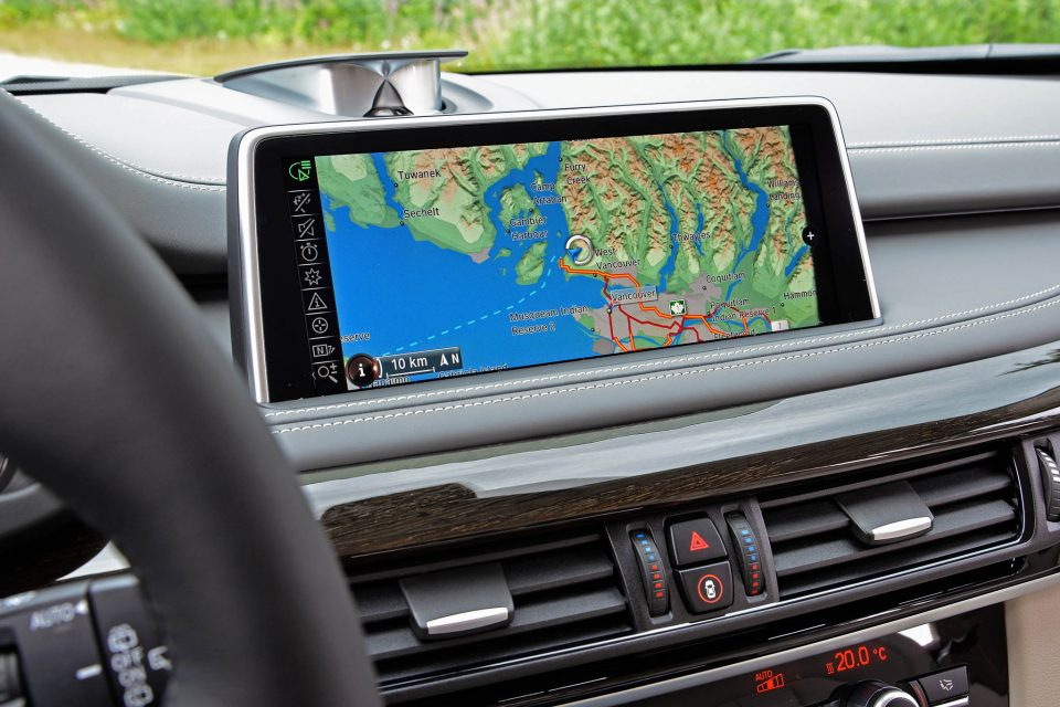 Infotainment breeds drivers with attention deficit