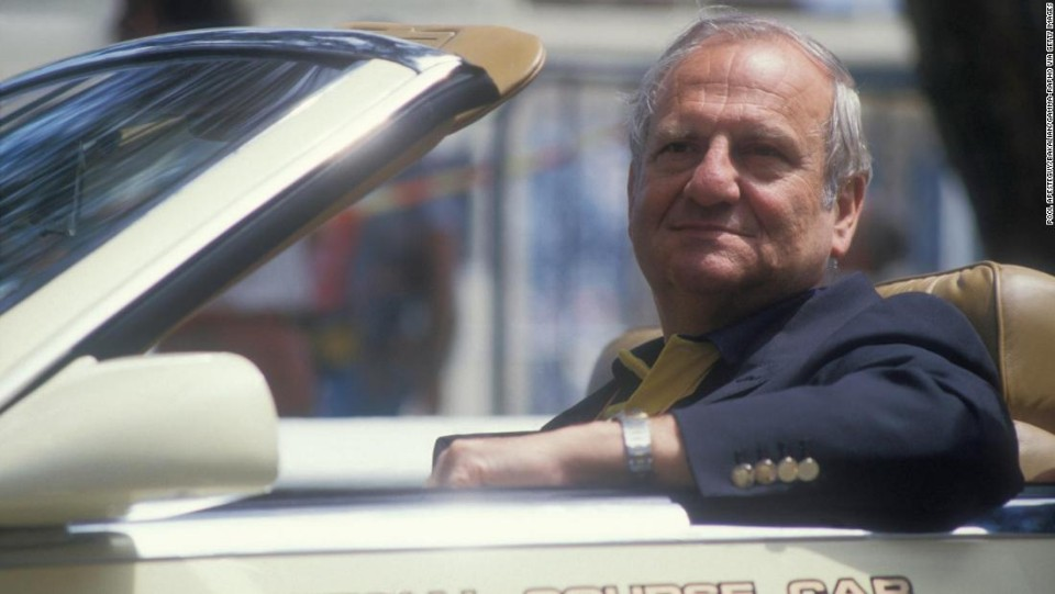 lee iacocca who helped create the ford mustang and then rescued chrysler in the 1980s has died 8211 cnn
