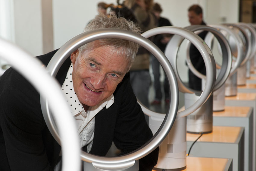 Dyson to invest billions in electric cars