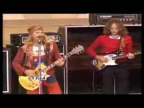 1975: Concert for Bangladesh (bloke singing is my chiropractor)