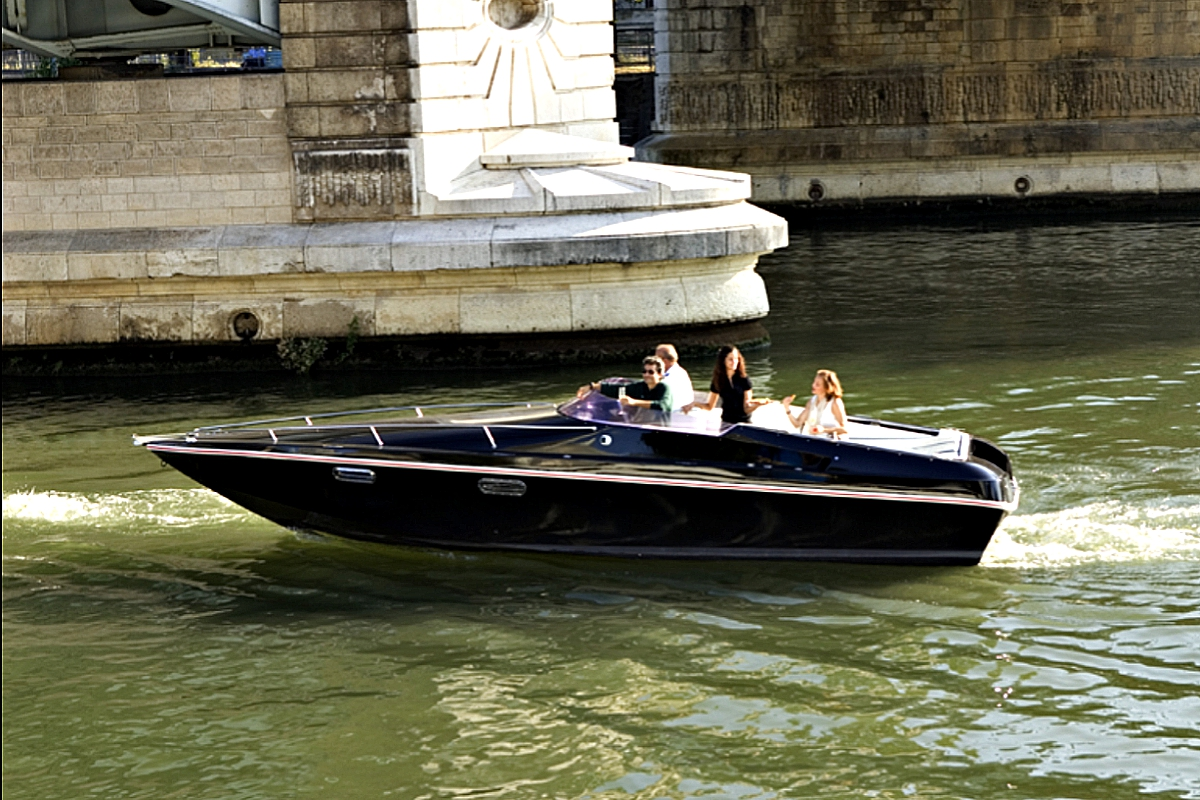 renaul electric boat 01