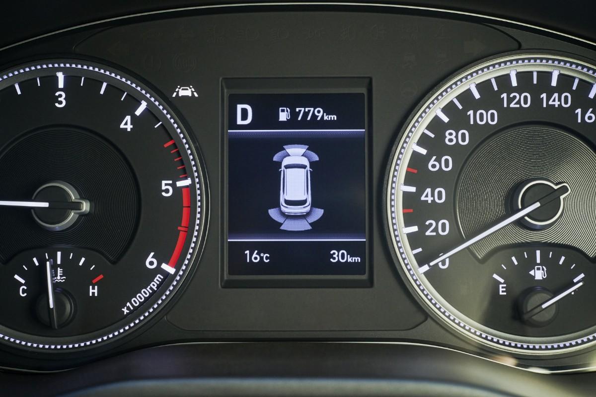 Hyundai Santa Fe: All the moves