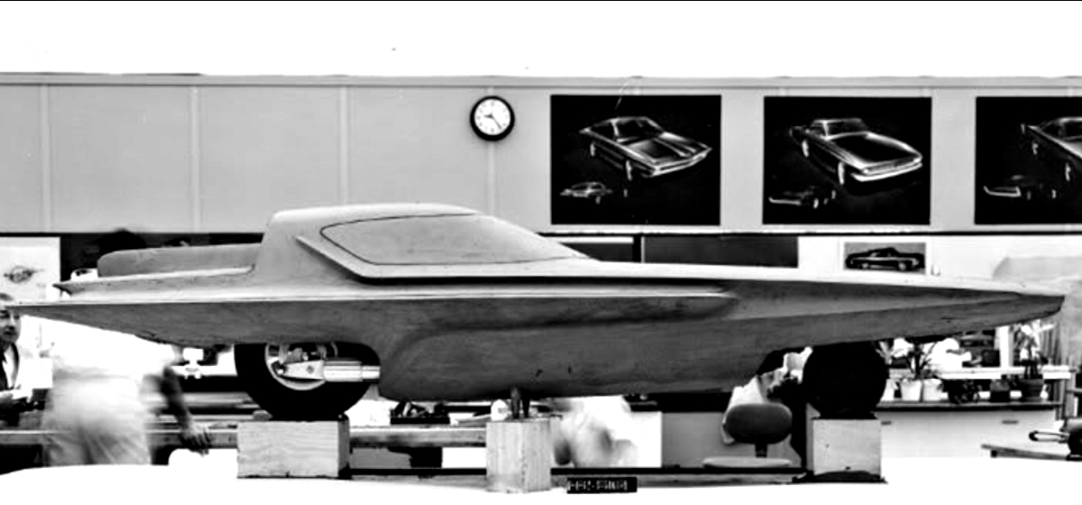1961 Ford Gyron Show Car 10