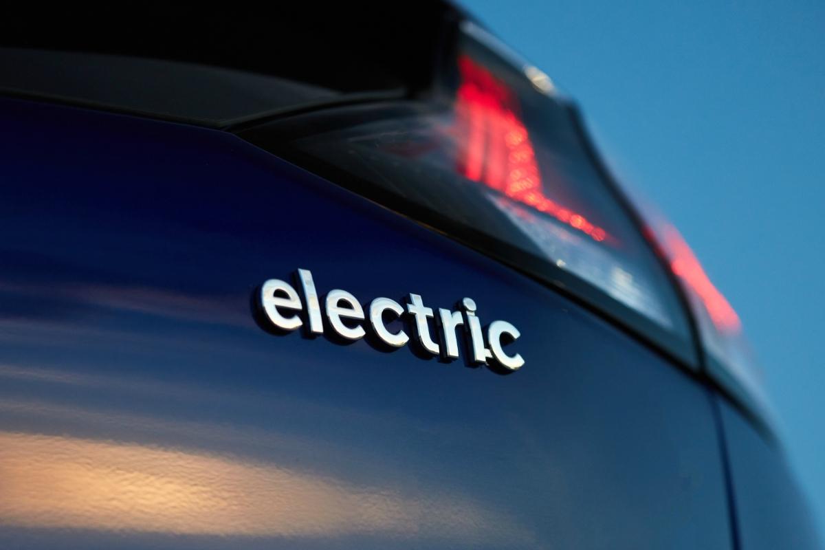 2020 Hyundai Ioniq Electric 7