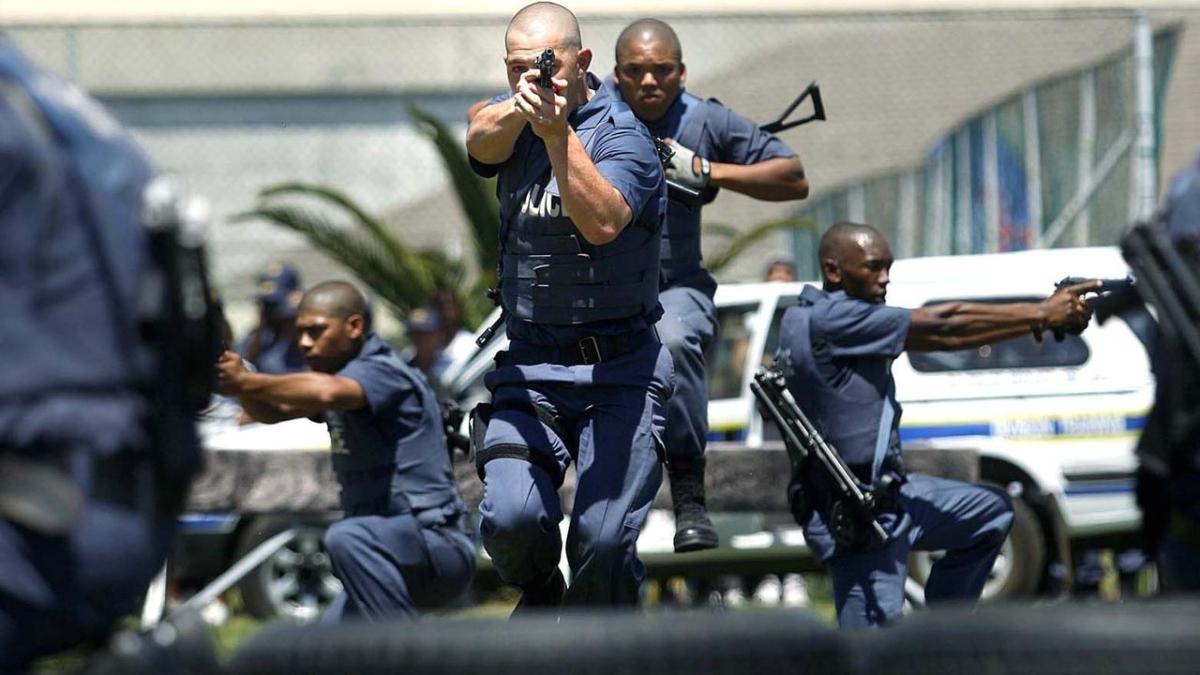 moni police move in