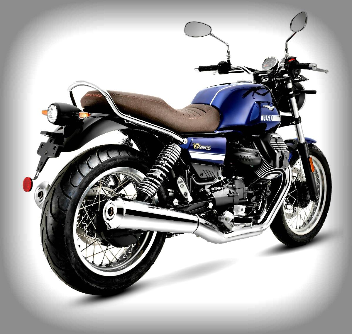 2021 Moto Guzzi V7 Special 2