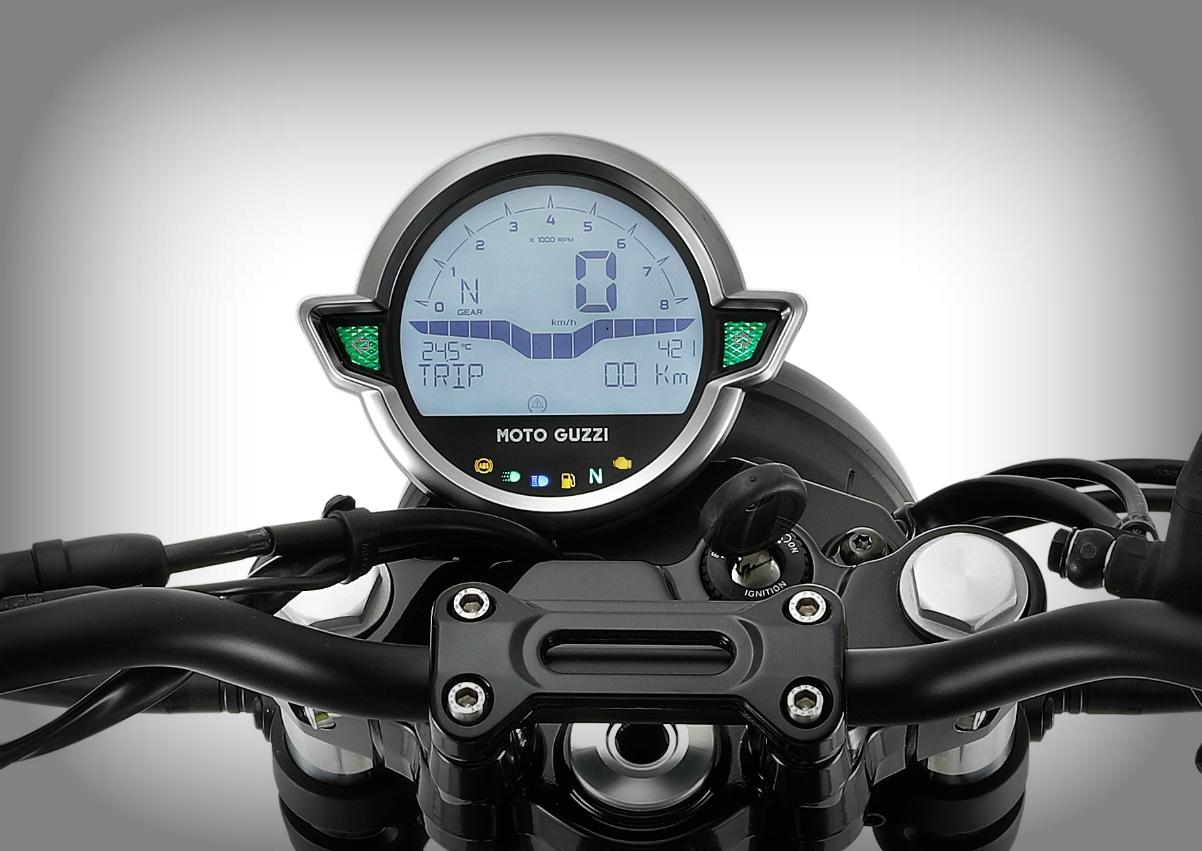 2021 Moto Guzzi V7 Stone 1