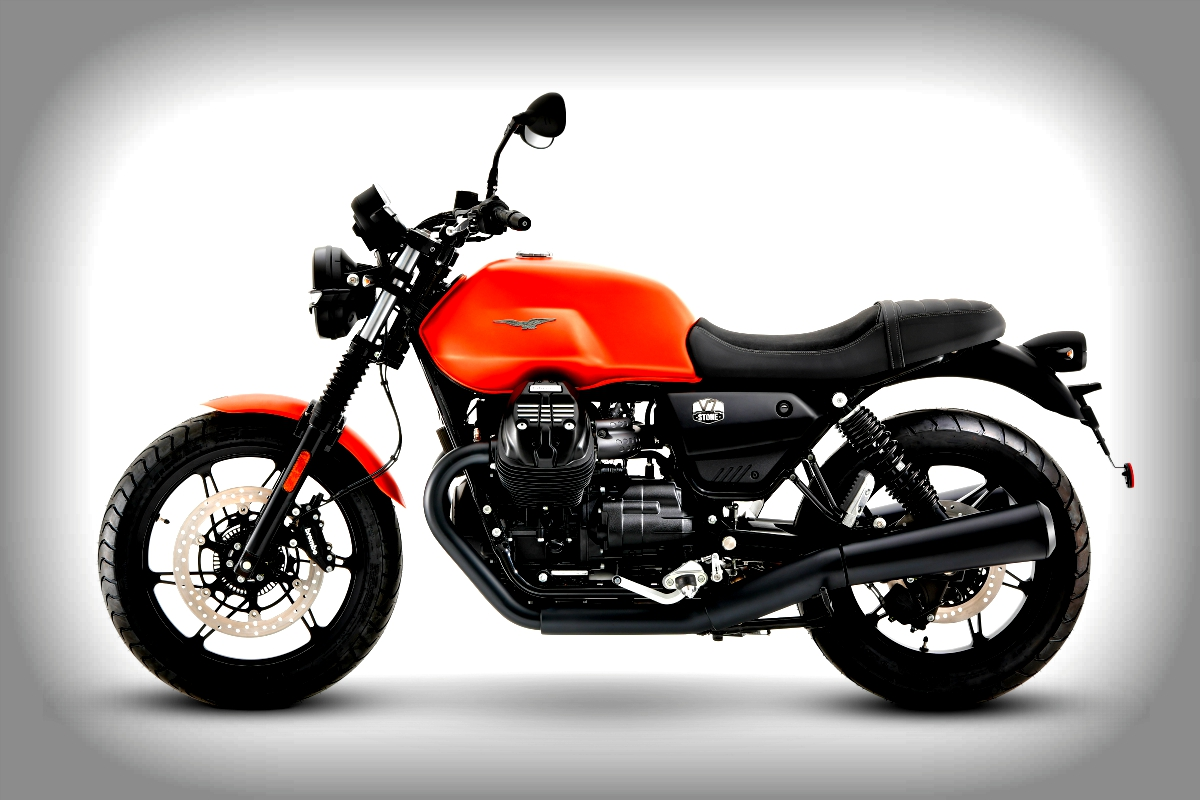 2021 Moto Guzzi V7 Stone 4
