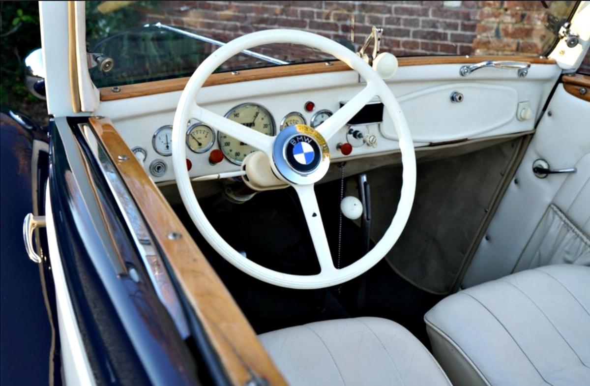 BMW 319 4