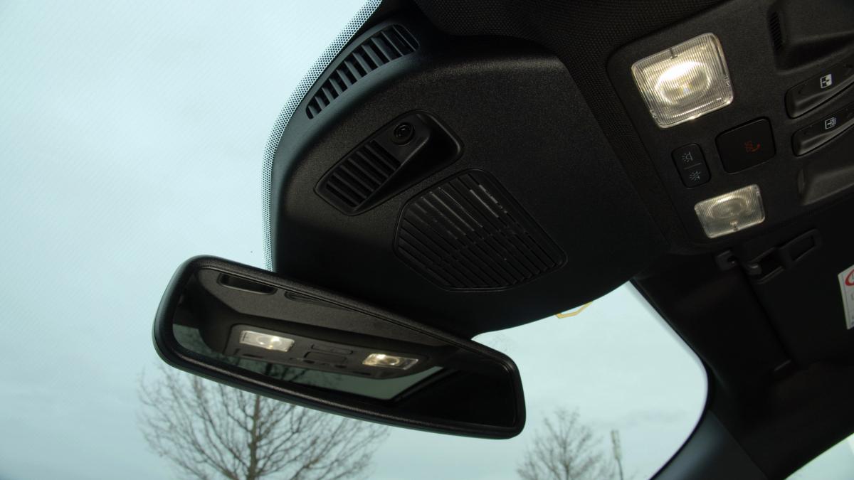 Ford Escape windscreen 2