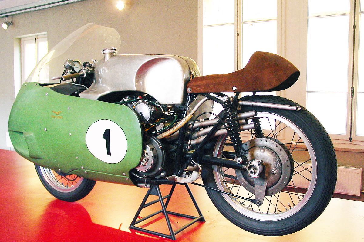 Moto Guzzi Centenary 28