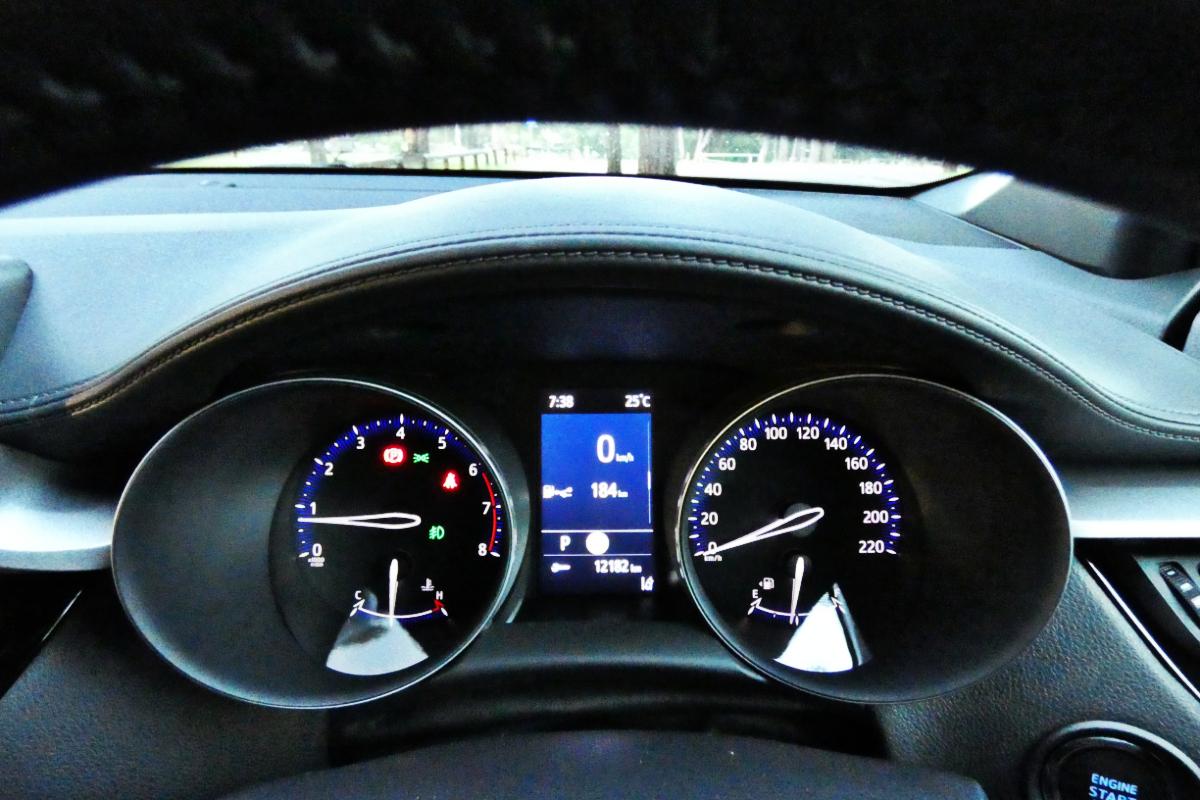 Toyota C HR GXL FWD 1