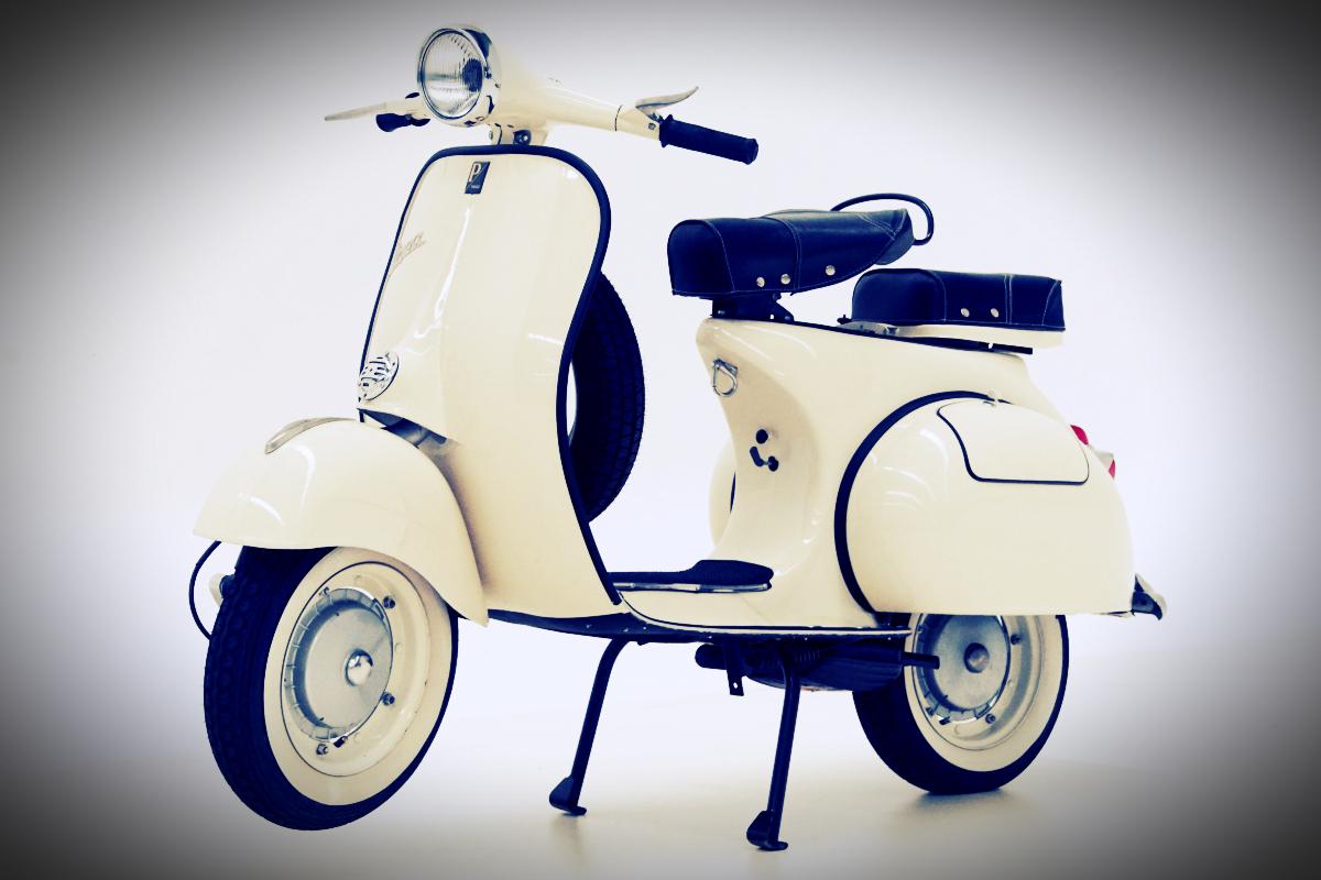 1961 Vespa Piaggio 150 Scooter 8