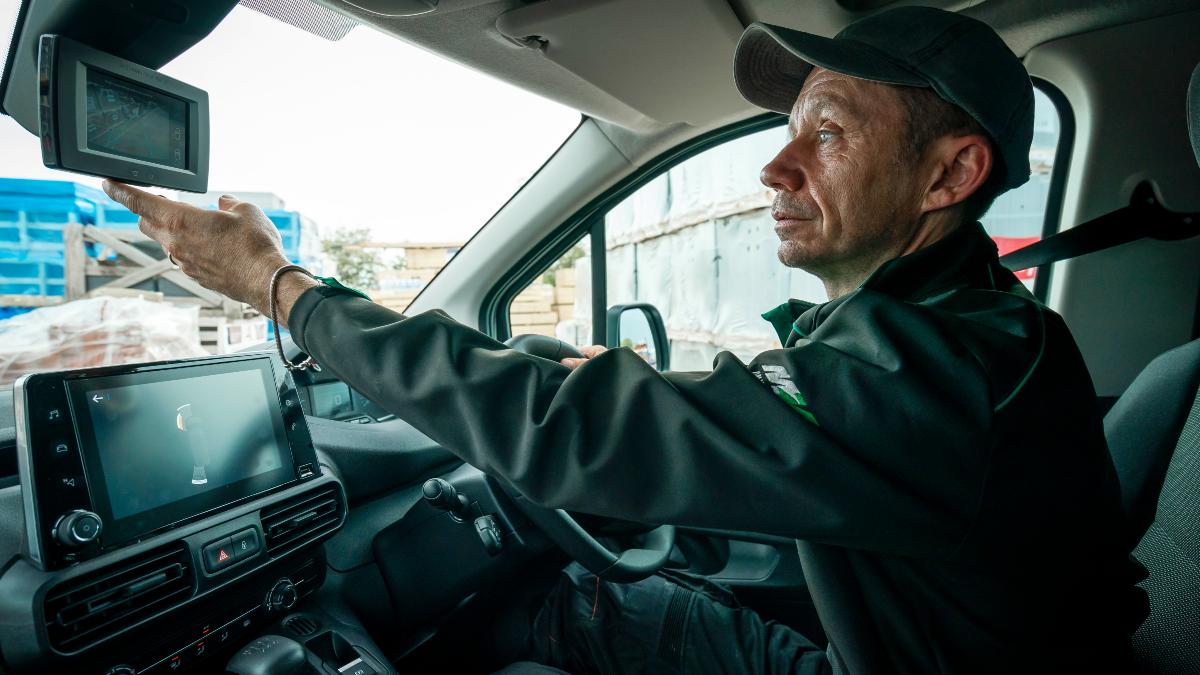 2018 Peugeot Partner 130 Van 14