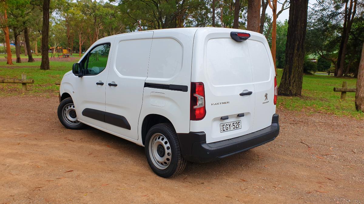 2018 Peugeot Partner 130 Van 2