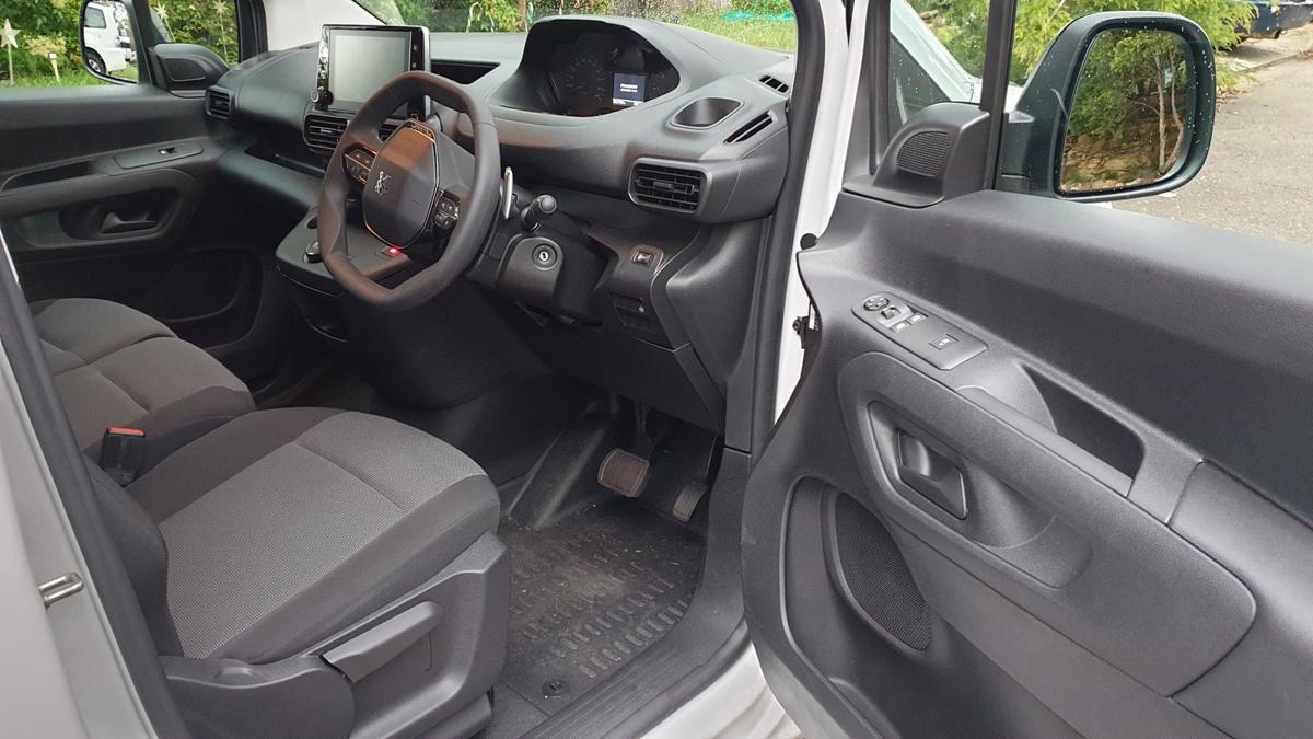 2018 Peugeot Partner 130 Van 5