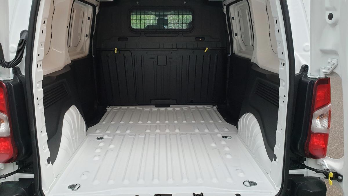 2018 Peugeot Partner 130 Van 6