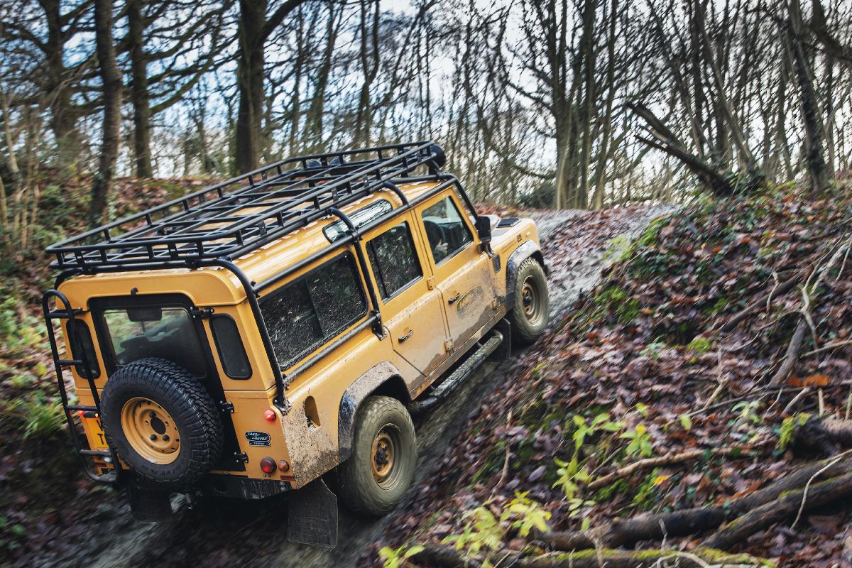 2021 Land Rover Defender Classic Works V8 Trophy 5