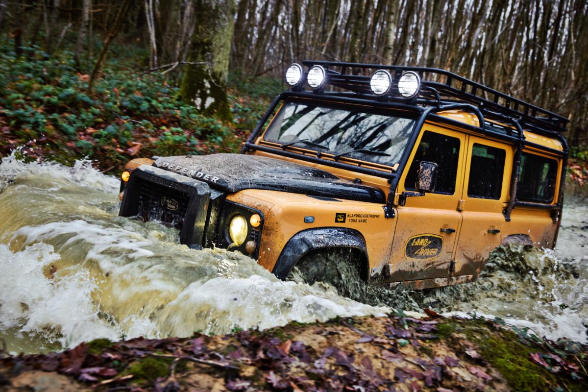 2021 Land Rover Defender Classic Works V8 Trophy 6