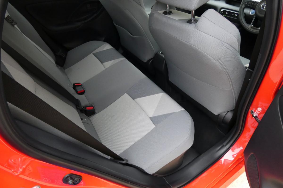 2021 Toyota Yaris ZR Hybrid Coral 5