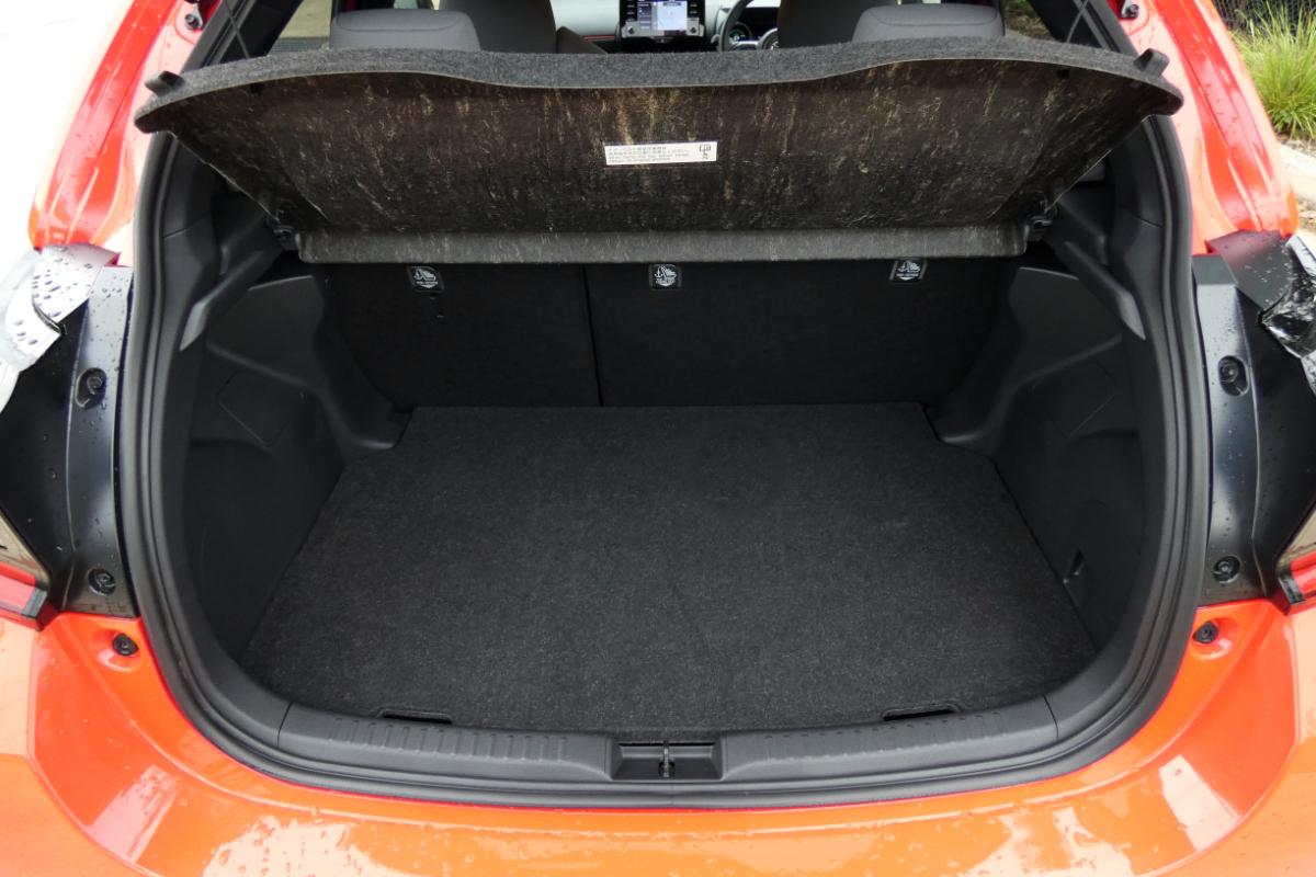 2021 Toyota Yaris ZR Hybrid Coral 7