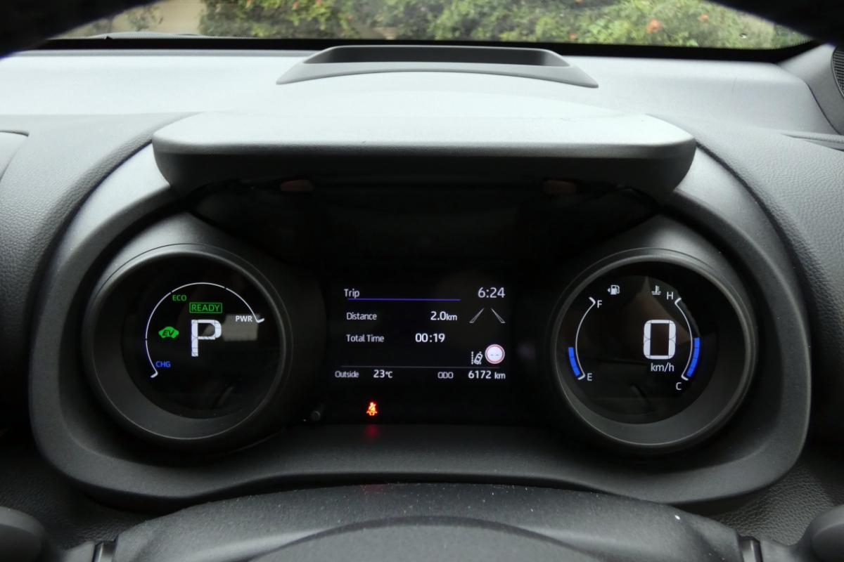 2021 Toyota Yaris ZR Hybrid Coral 9