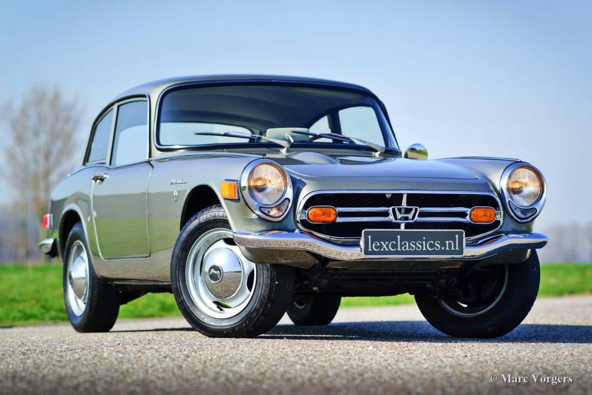 1966 Honda S800 sports car 11