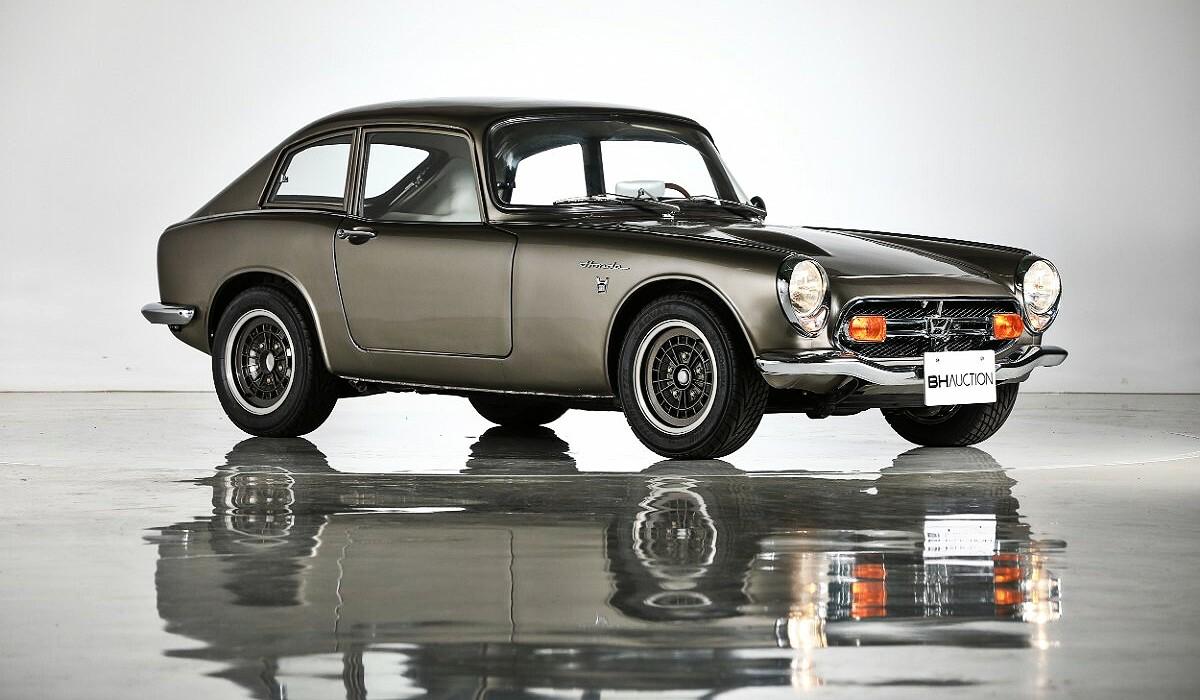 1966 Honda S800 sports car 30