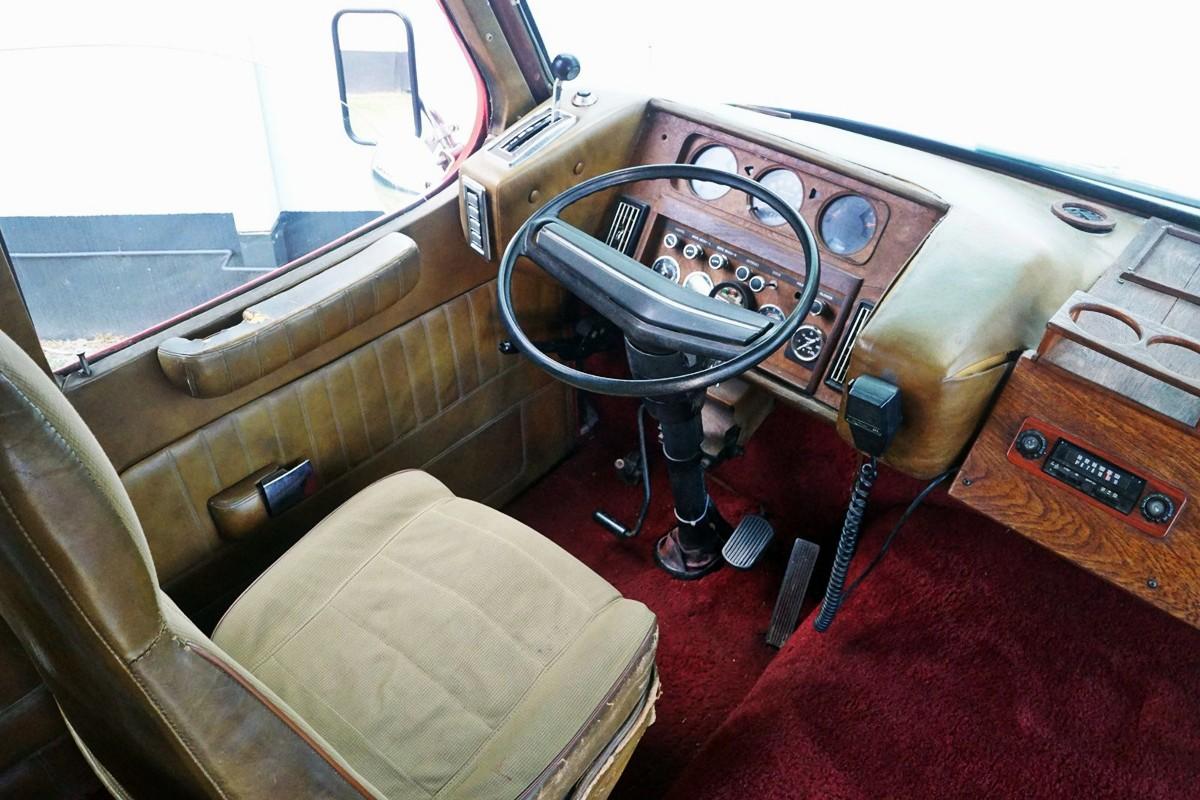 1975 Dodge DayStar St Tropez motorhome 18