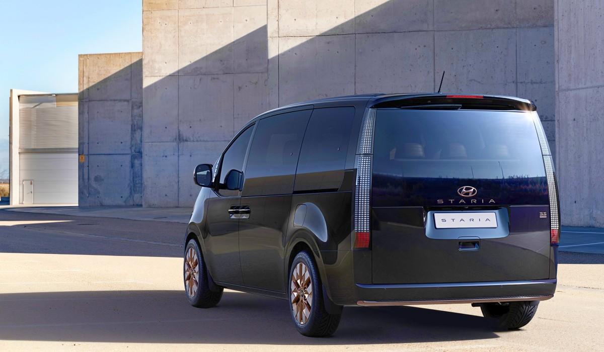 2021 Hyundai Staria Premium people mover 3