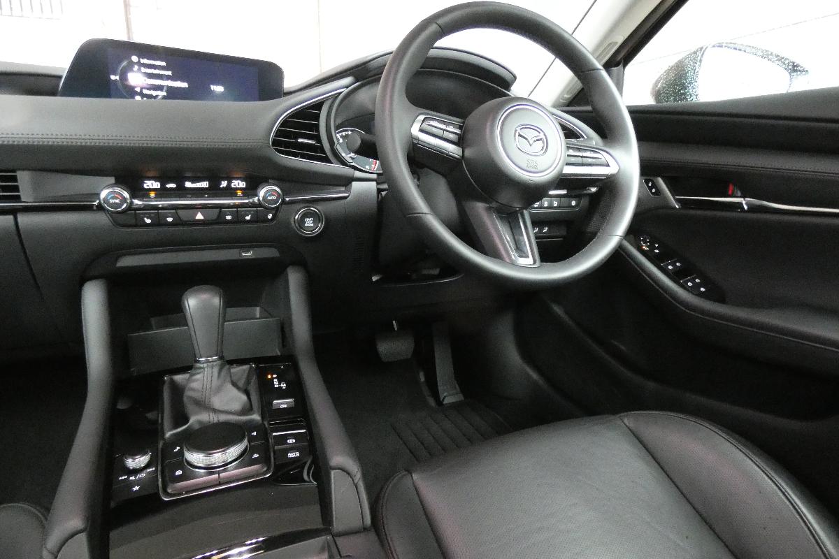 2021 Mazda3 GT sedan 3