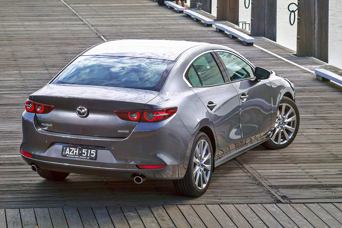 2021 Mazda3 GT sedan 7