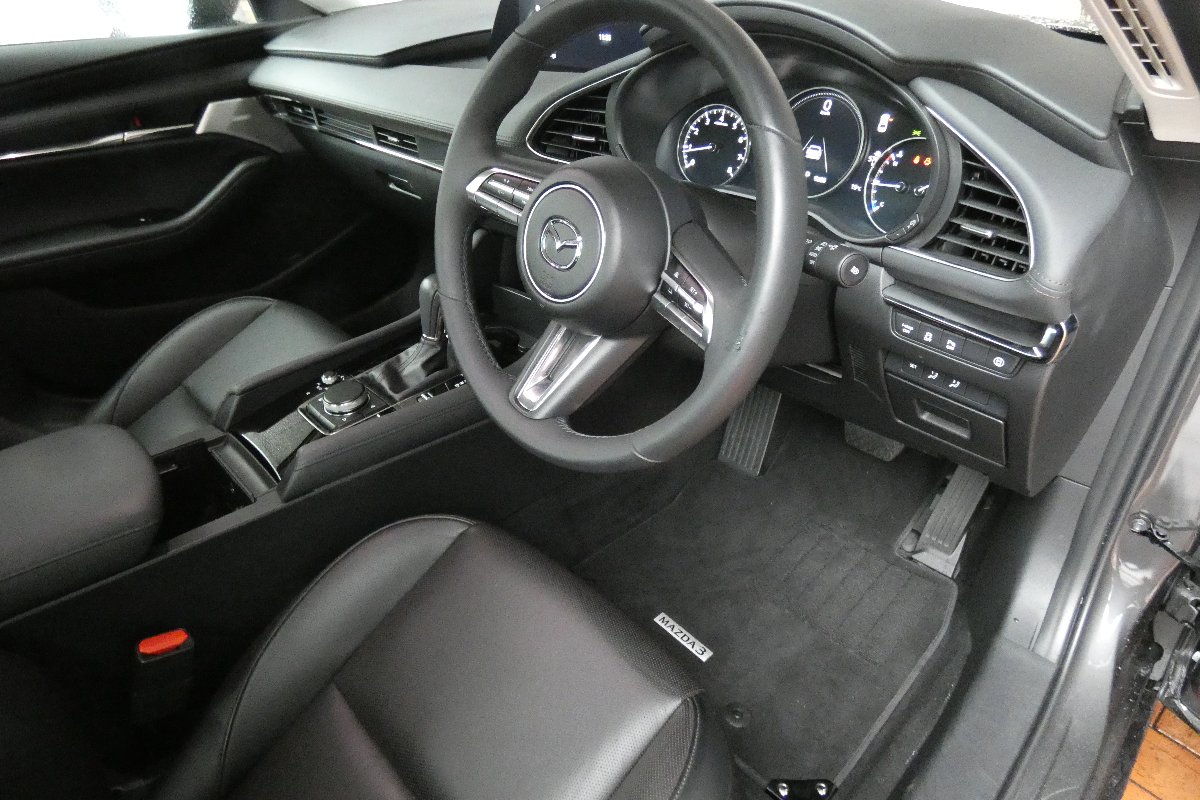 2021 Mazda3 GT sedan 9
