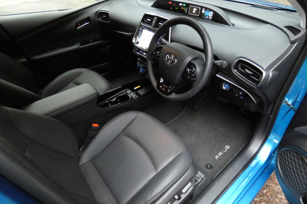 2021 Toyota Prius i Tech 8