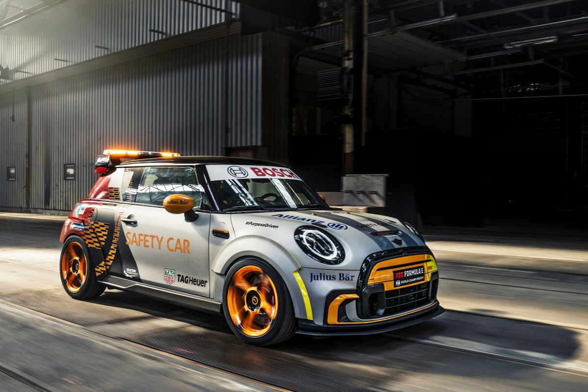 Mini Electric Pacesetter inspired by JCW 6
