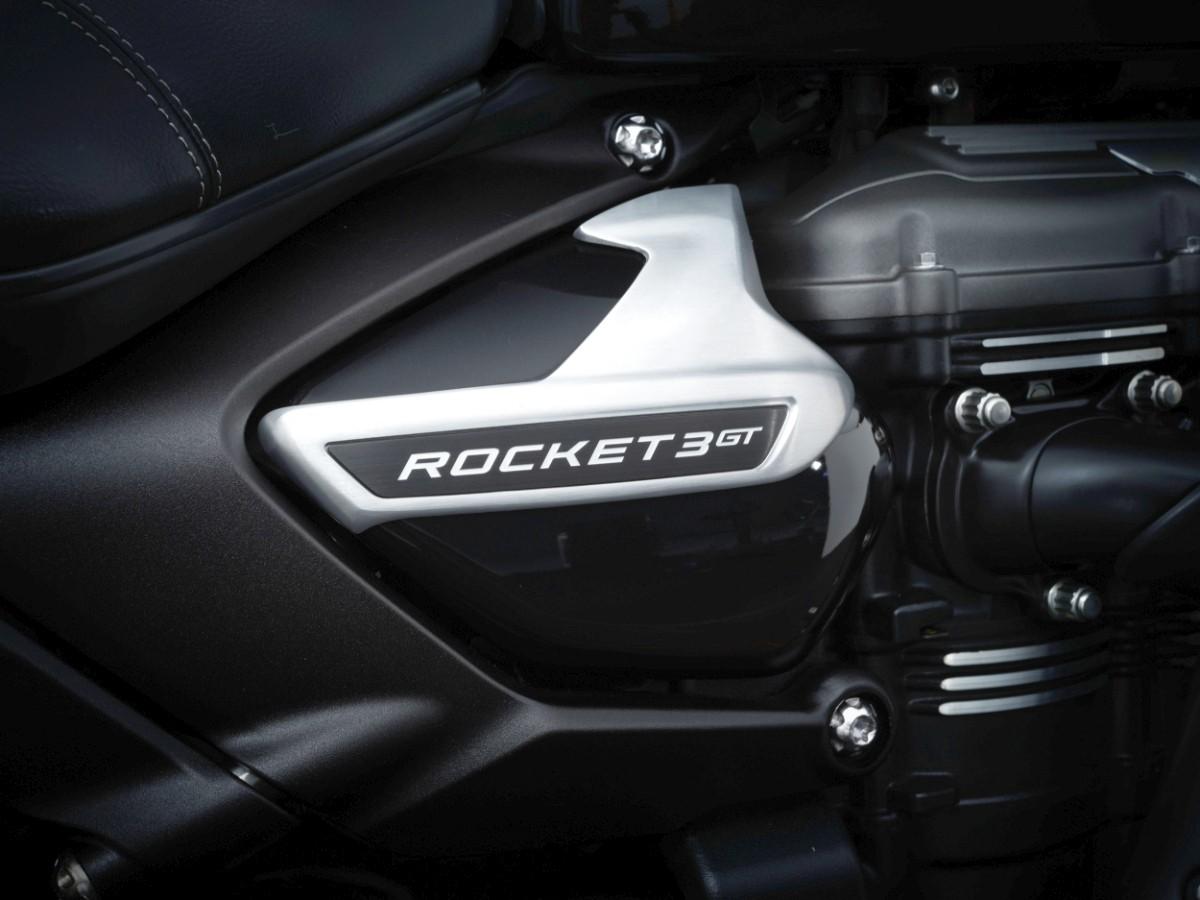 Triumph Rocket 3 Black 4