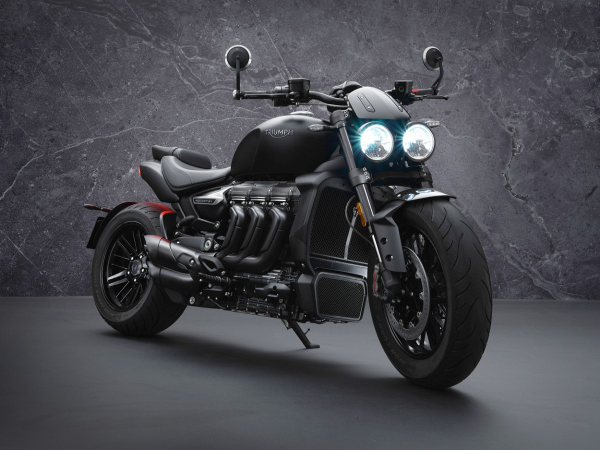 Triumph Rocket 3 Black 8