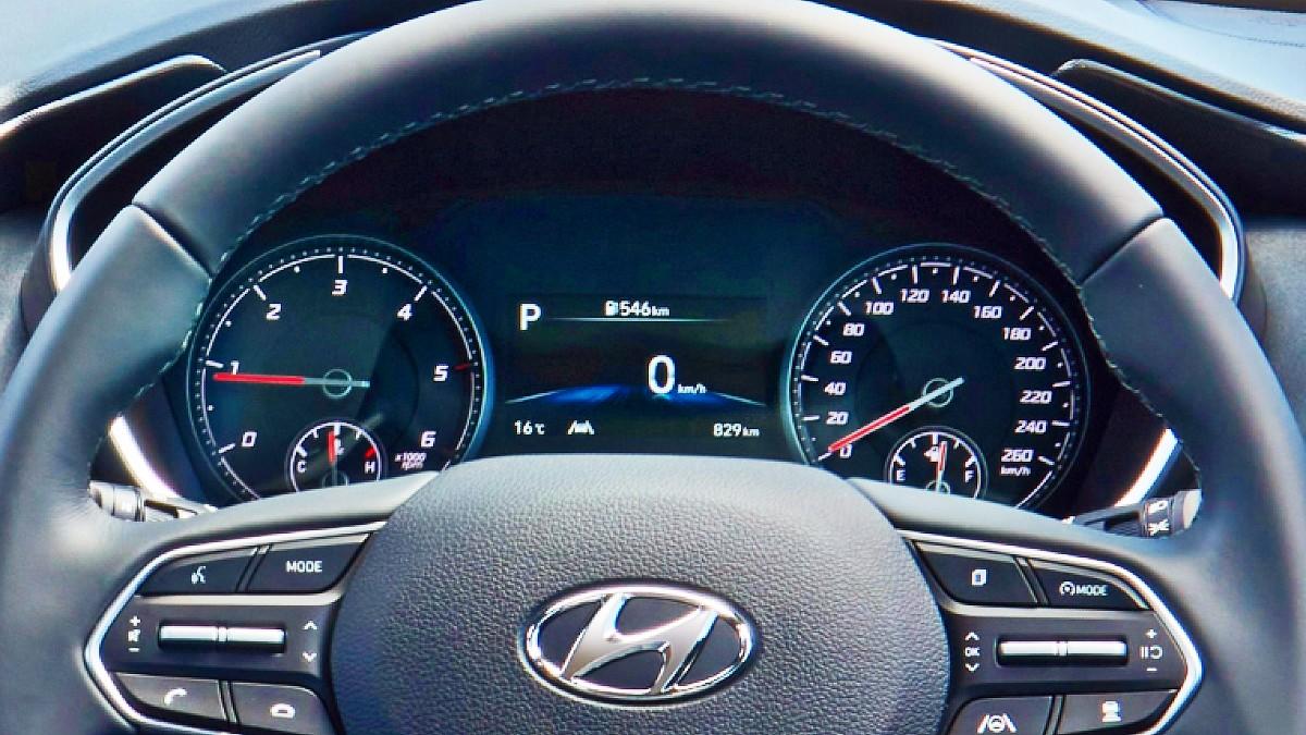 2021 Hyundai Santa Fe Elite 10