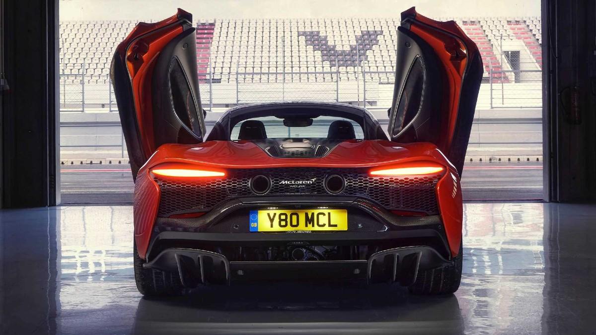 2021 McLaren Artura 5