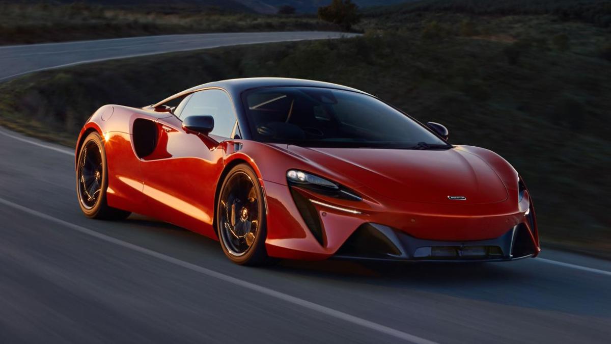 2021 McLaren Artura 7
